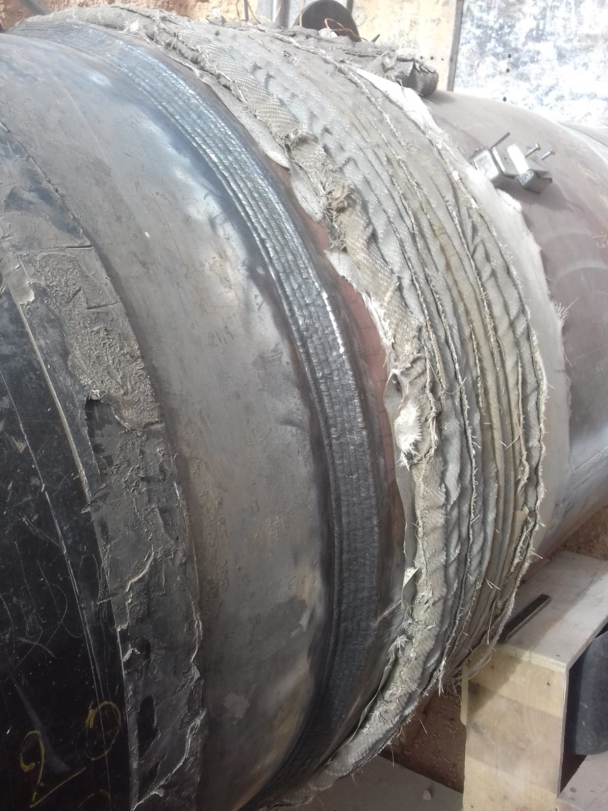Permanent pipeline repair during full operation